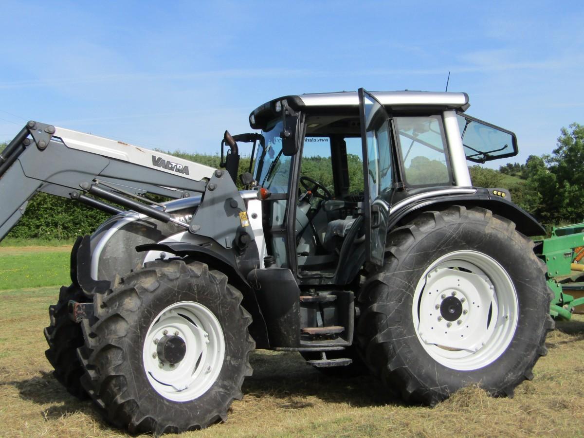 Valtra N121 Tractor C W Loader Clarke Machinery