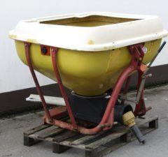 Cosmo fertiliser spreader