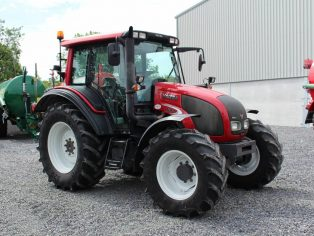Valtra N92 2013 tractor