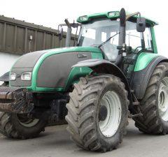 Valtra T170 tractor