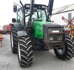 valtra 6400 tractor with loader