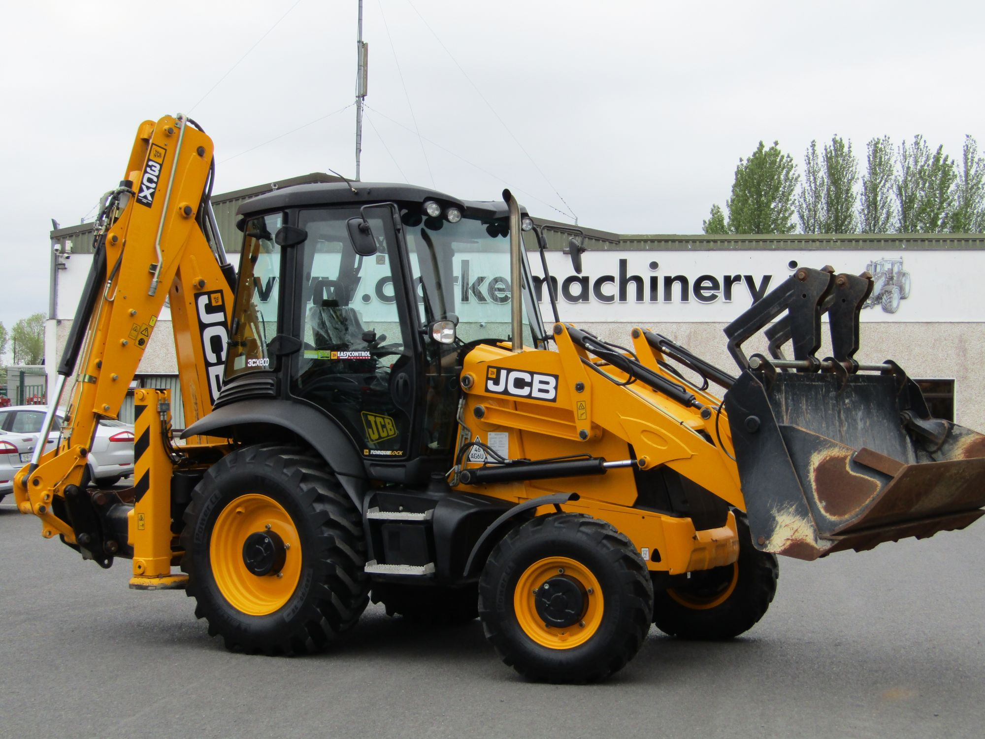 JCB 3CX Backhoe Loader | Clarke Machinery