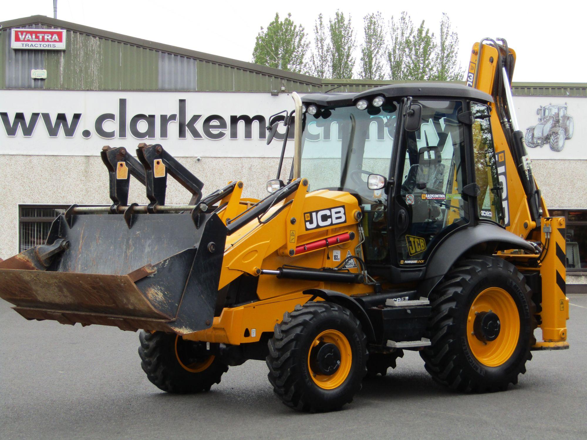 JCB 3CX Backhoe Loader | Clarke Machinery