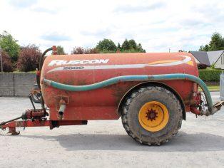 Ruscon 2600 gallon vacuum tank