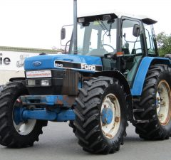 Ford New Holland 8340 tractor