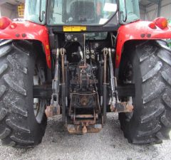massey ferguson tractor with quicke loader