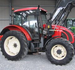 Zetor 10641 tractor with loader