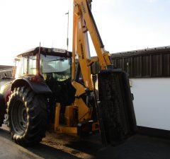 McConnel PA7700T hedgecutter