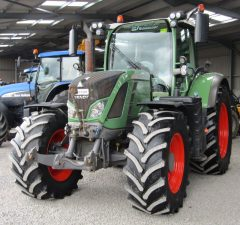 Fendt tractor front linkage