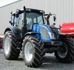 valtra n113 tractor