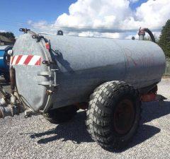 1300gal vacuum tanker
