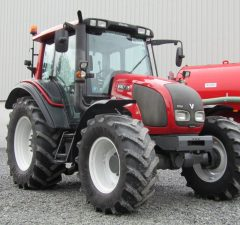 2013 valtra n92 tractor